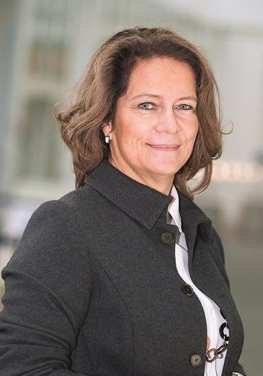 Birgit Bruns - Chemie und Personalberatung gespiegelt